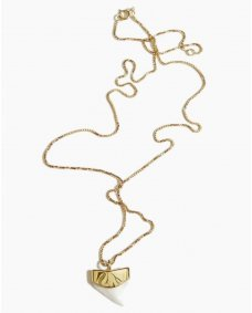 Fashionology tiny shark tooth ketting gold